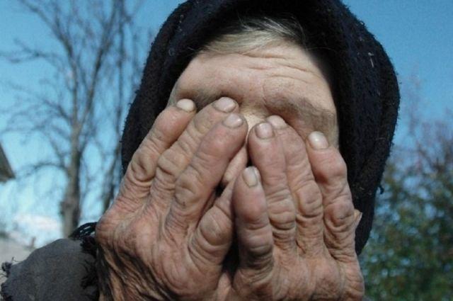 В Черновицкой области мужчина подозревается в изнасиловании пенсионерки