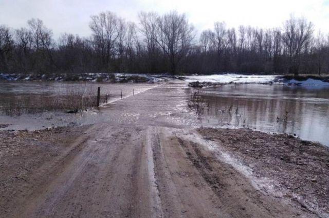 В Оренбуржье затопило еще один мост