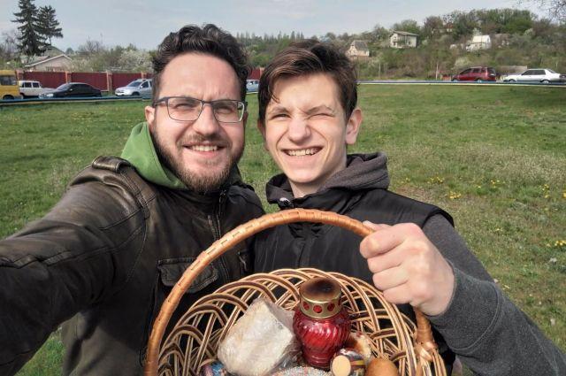 Ведущие канала «Украина» рассказали, как будут праздновать Пасху