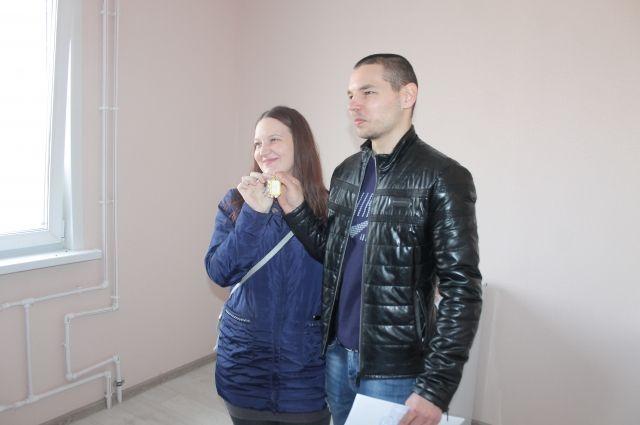 Супруги Гофаровы также собираются въехать в новое жильё в ближайший месяц.