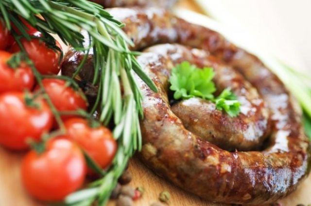 Праздничный стол к Пасхе: рецепт колбасы «по-домашнему»