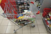 В тележке можно оставить любые продукты в целой заводской упаковке, которые не относятся к скоропортящимся.