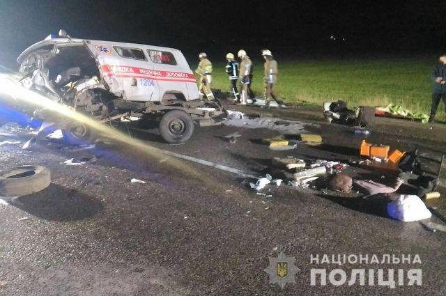 В Харькове произошло ДТП с участием скорой помощи: три человека погибли