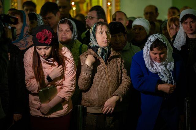 Сибирячка просит власть ограничить посещение храмов на Пасху, чтобы не допустить распространения коронавируса.