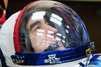 Командир экипажа МКС-63 космонавт Роскосмоса Анатолий Иванишин перед запуском ракеты-носителя «Союз-2.1а».