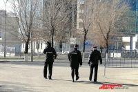 Улицы населенных пунктов Оренбуржья по прежнему патрулируют полицейские.