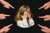 Семью с больным ребёнком оскорбляли и присылали угрозы.