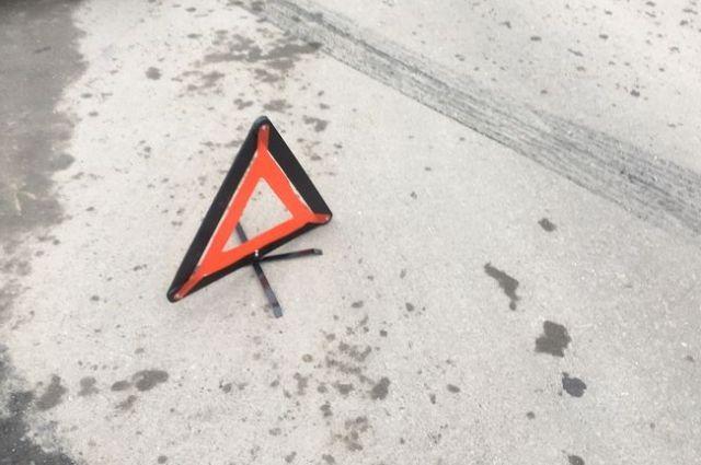 На севере Крыма водитель ВАЗ пострадал при столкновении с электропоездом