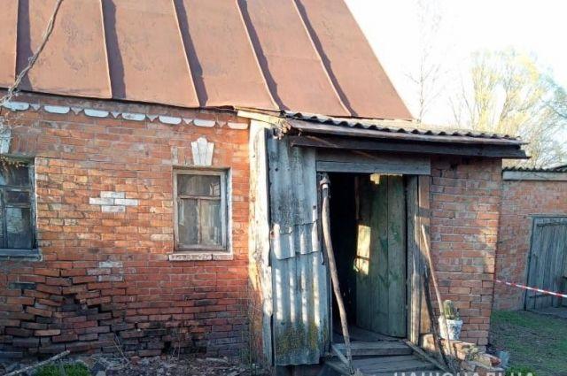 В Сумской области во время ссоры пьяный мужчина зарезал ножом сожительницу