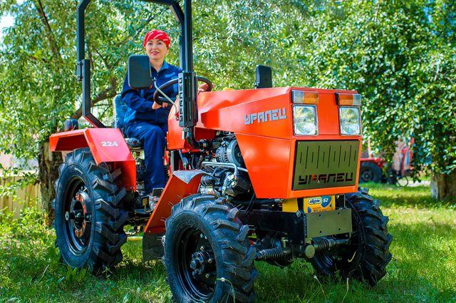 Мини-трактор - оптимальный вариант для небольших хозяйств.