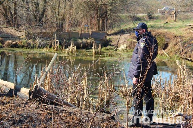 В Житомирской области в копанке нашли тело двухлетнего мальчика