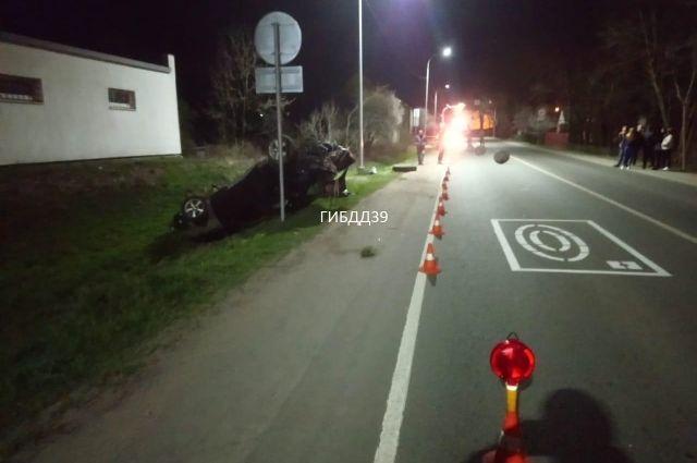 15-летняя жительница Черняховска на автомобиле BMW устроила аварию