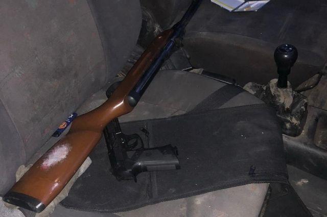 В Закарпатской области пьяный мужчина угрожал расстрелять правоохранителей