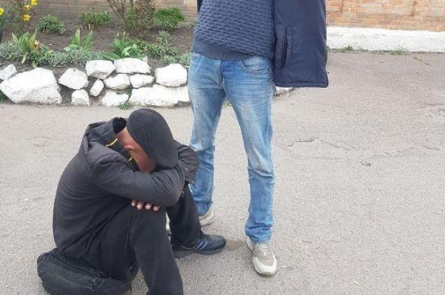 В Кропивницком вооруженный мужчина ворвался в монастырь и украл кулич