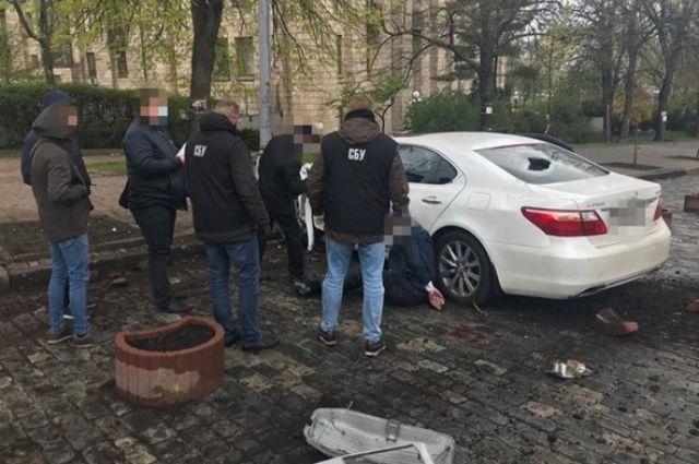 В Киеве злоумышленник под видом чиновника продавал «госдолжности»