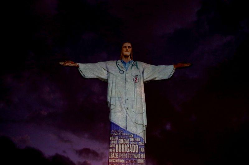 Статуя Христа-Искупителя в Рио-де-Жанейро.
