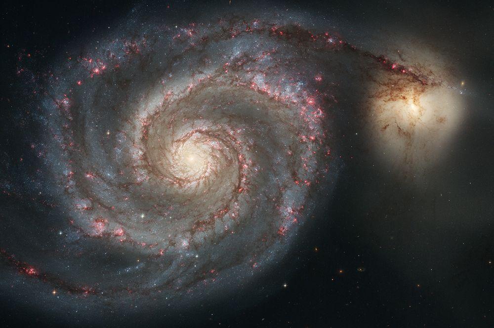 Галактика Водоворот или M 51 в созвездии Гончие Псы. Снимок сделан в 2005 году.