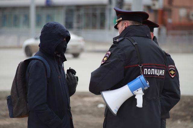 В городе усилили плотность патрулирования улиц.
