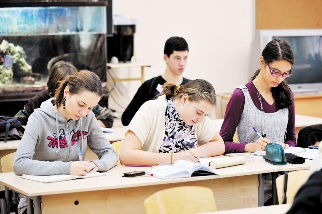Высшие учебные заведения начнут принимать документы с 10 августа.