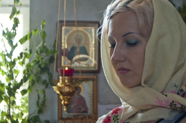 Тюменцев призвали ограничить посещение храмов и кладбищ
