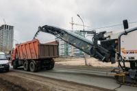 В Тюмени в рамках нацпроекта продолжают ремонтировать дороги