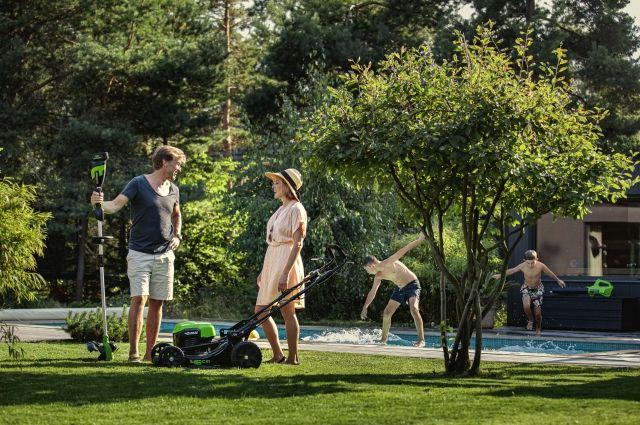 Международный бренд садовой аккумуляторной техники Greenworks предлагает широкий ассортимент инструментов.