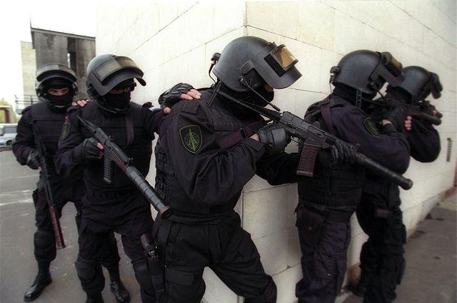 В Крыму задержали украинского шпиона и завербованную россиянку