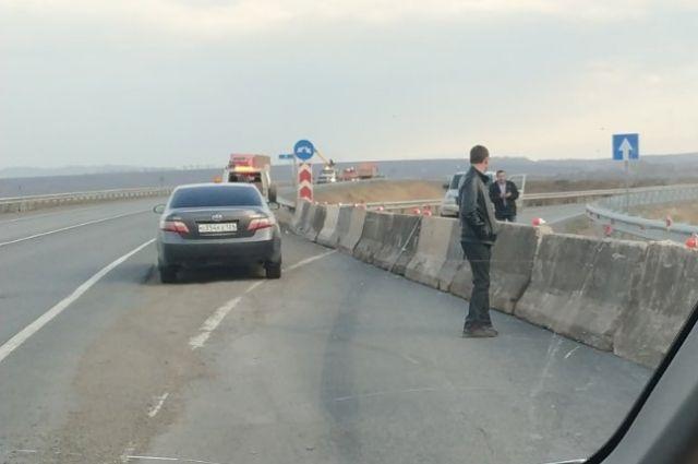 В частности, перекрыты съезды в Железногорск с трассы Р-255.