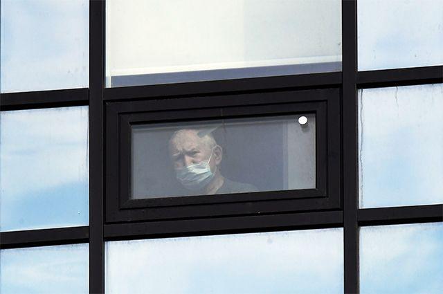 Окно больницы в Коммунарке.