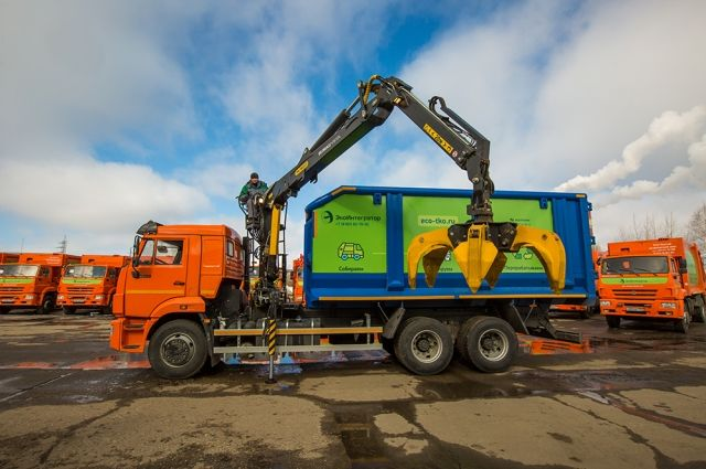 В регион пришла первая партия новых мусоровозов