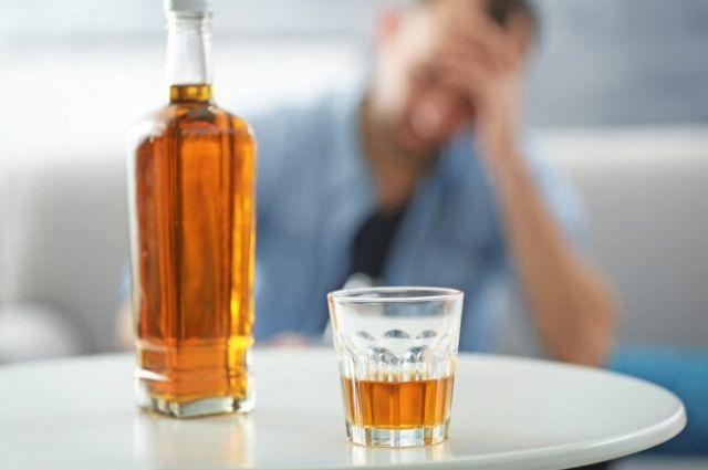 Употребление алкоголя во время пандемии коронавируса угрожает жизни, — ВОЗ