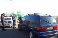 Пытался сбежать: в Мелитополе водитель авто протянул полицейского по дороге