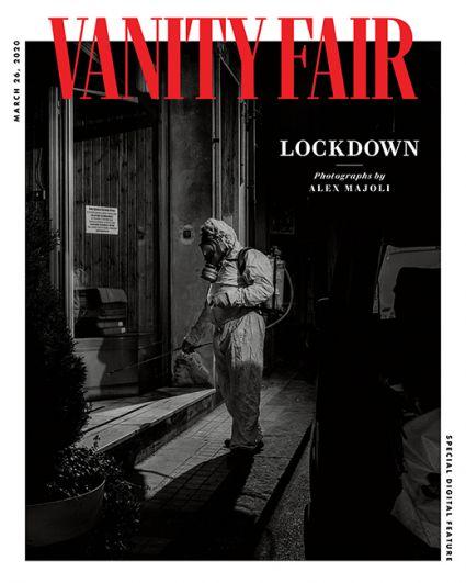 Американский Vanity Fair создал цифровую обложку для специальной статьи о карантине в Италии. Черно-белую фотографию сделал для издания фотограф Magnum Алекс Майоли.