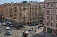 Количество машин в Петербурге уменьшилось в 20 раз, трафик в часы пик снизился на 80%. Даже Невский проспект значительно поредел.