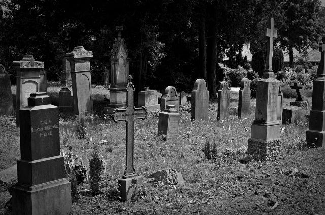 С полуночи 18 апреля до особого распоряжения кладбища будут работать только для погребения.