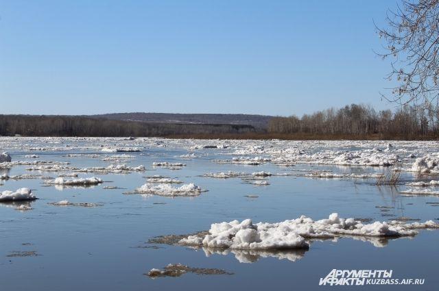 За зиму в регионе выпало большое количество снега.
