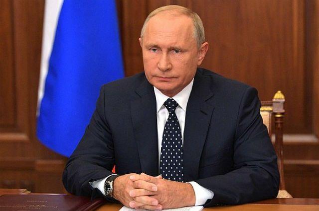 Путин подписал указ о мерах по урегулированию положения иностранцев в РФ