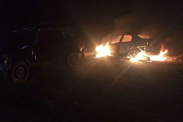 Полицейские спасли людей из горящего автомобиля в Печорском районе