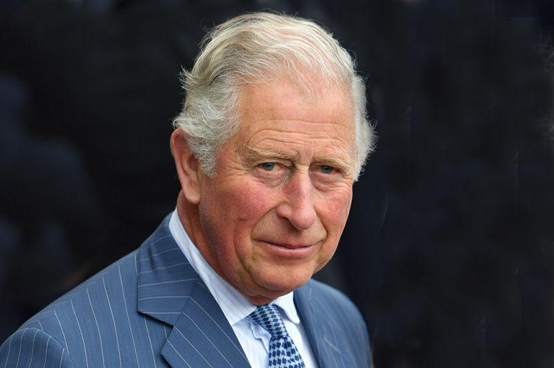 Принц Уэльский Чарльз. 25 марта стало известно, что 71-летний принц Чарльз заразился коронавирусом. После этого он на неделю самоизолировался в своем доме в шотландском поместье Балморал. После консультации с врачом он завершил карантин.