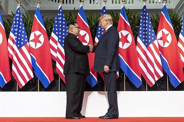 Трамп заявил, что недавно получил «прекрасное» письмо от Ким Чен Ына