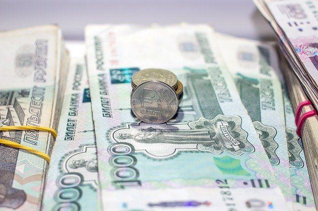 Он должен 5,7 млн рублей.