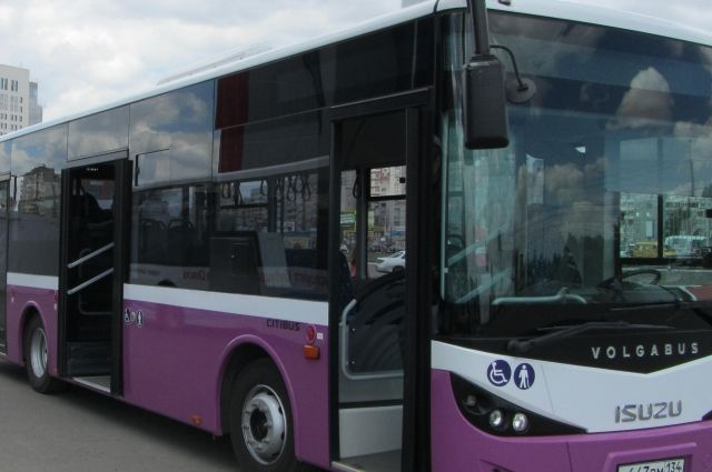 Первый автобус уже в пути.