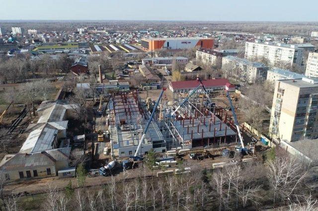 В Оренбурге строители начали чистовую отделку военного госпиталя.