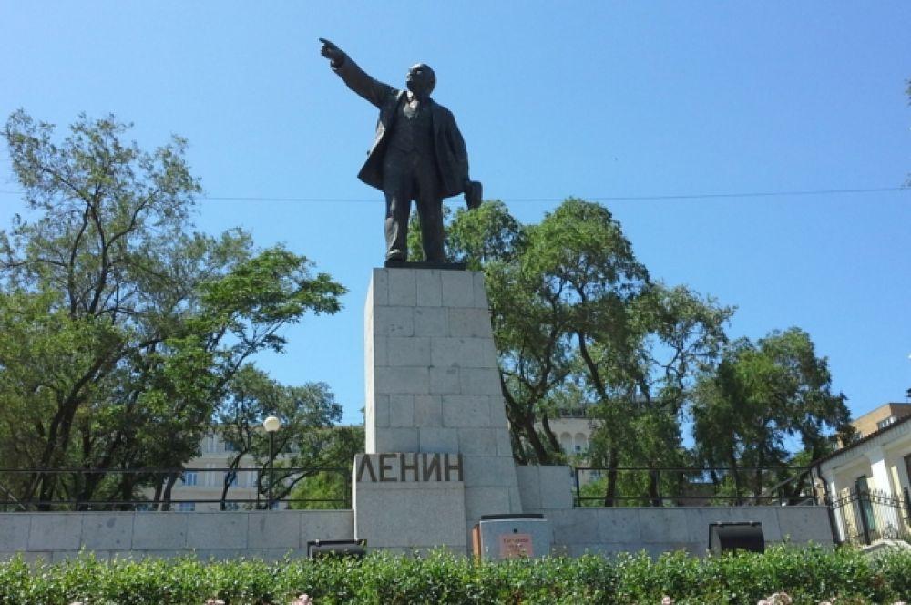 Ленин во Владивостоке.