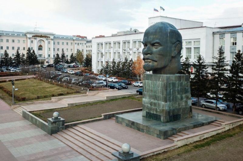 Улан-Удэ. Самая большая «голова» - 7, 7 м.