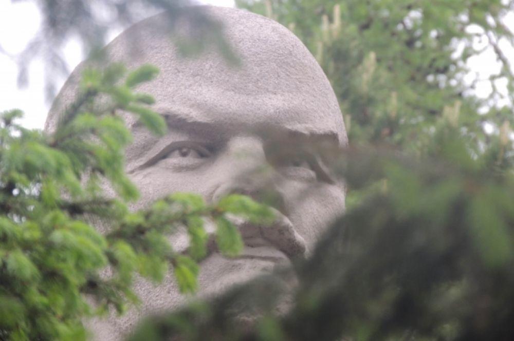 Ильич на ул. Богдана Хмельницкого.