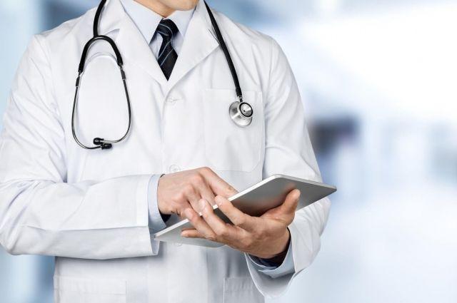 Столичные врачи, работающие с больными Сovid-19 получат до 50 тыс. зарплаты