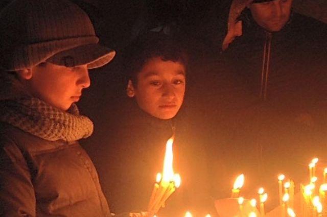 В прошлом году вечер памяти погибшим во время геноцида армян прошёл в Перми около армянской церкви Святого Григория Просветителя.