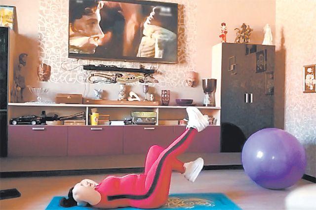 Самоизоляция – это не повод отказаться от зянятий физкультурой и спортом. Ежедневно для участников «Московского долголетия» проводятся тренировки в режиме онлайн.