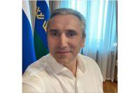 Александр Моор соблюдает режим самоизоляции